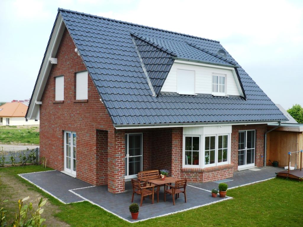 варианты мансардных крыш частных домов фото давать после окрашивания